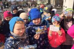 Klasa 1a wysyła pocztówki do szkół biorących udział w akcji Wielka mapa Polski