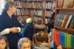 Poziomki z wizytą w bibliotece